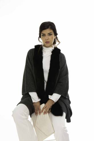 KO89 Koru Fur Trim Cape