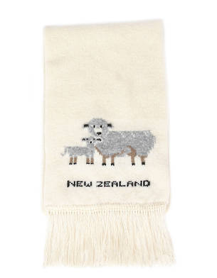 9413  Sheep Scarf