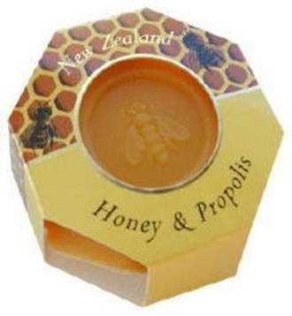Manuka Honey and Bee Propolis Soap